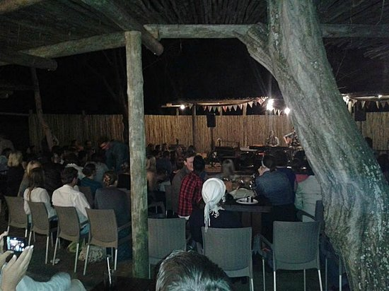 The Blue Crane Restaurant and Bar: Acoustic fund raises held in the boma (2)