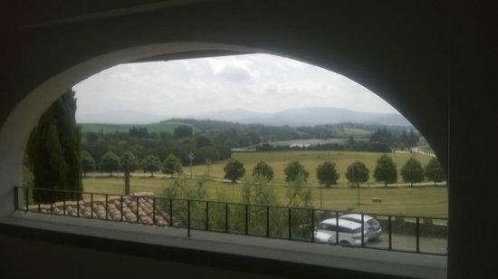 Agriturismo Poggio di Sotto: Vista dalla terrazza della camera
