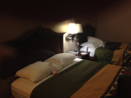 Super 8 by Wyndham New Iberia: Room in main building