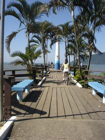 Ubatuba Palace Hotel: Cruzeiro perto do hotel