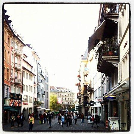 Sweet Zurich Tour : Old Town Zurich