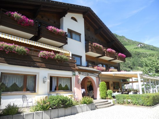 Laitacher Hof: il prospetto principale dell'hotel