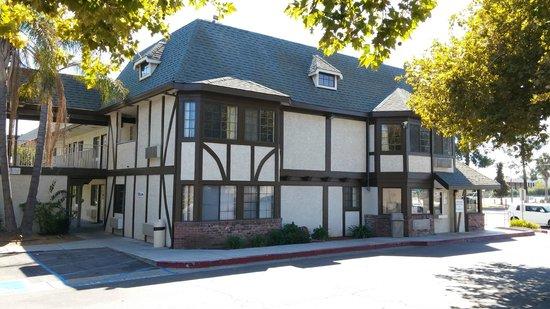 Americas Best Value Inn - North Highlands/Sacramento I80: Side