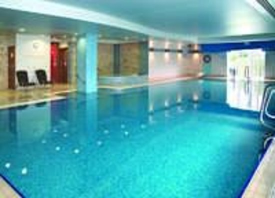 The top 10 things to do near the cheltenham chase hotel a qhotel for Swimming pools near gloucester