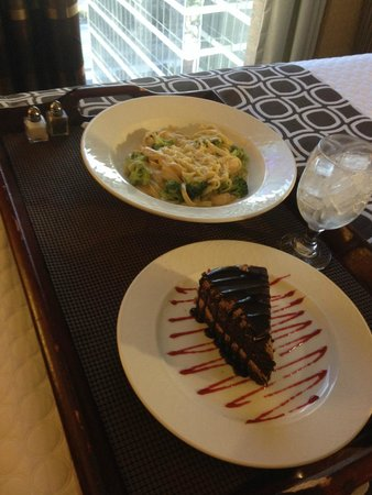 Crowne Plaza Hotel Dallas Downtown : Great Food Room Service