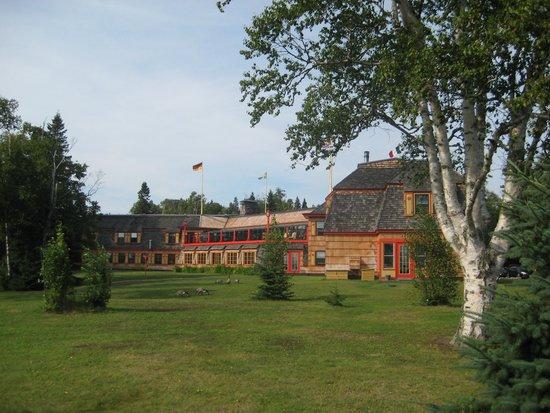 Naniboujou Lodge : Lodge from the lake