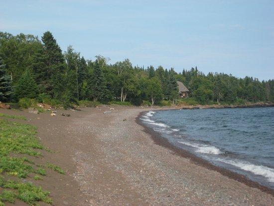 Naniboujou Lodge: The lake shore