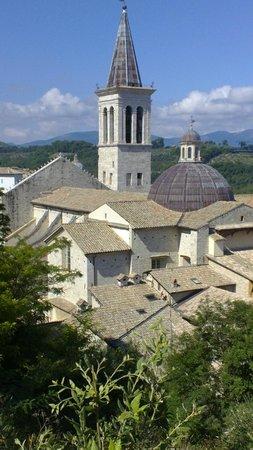 Spoleto, Itália: Il Duomo visto dalla Rocca