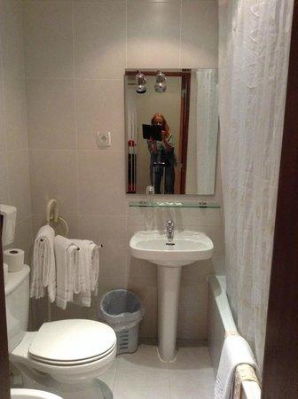 Hotel Portuense: In the bathroom