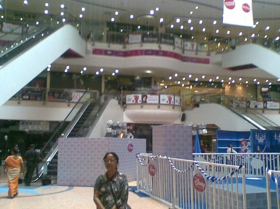 Express Avenue Mall: From ground floor