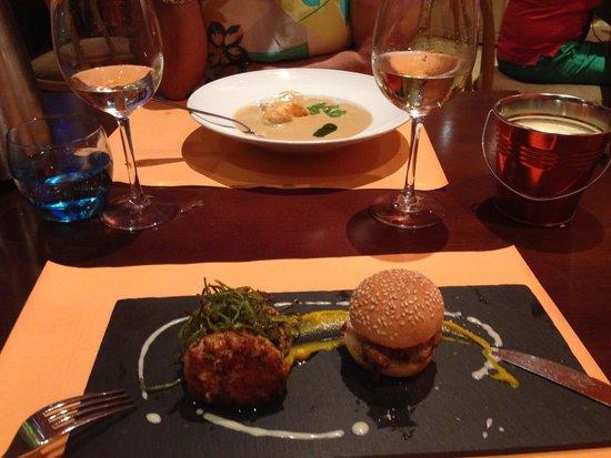 Mo GastroTapas: Trio of fish burger
