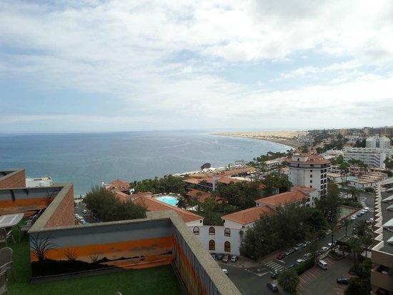 Corona Roja - Playa del Ingles: view from the front balcony