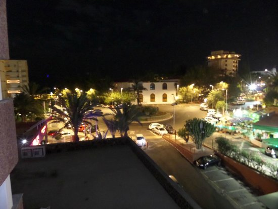 Corona Roja - Playa del Ingles: view from the patio in the evening of the reception