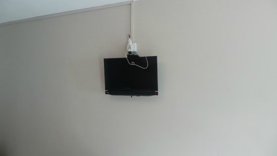 Elysee Hotel Residence: the tv