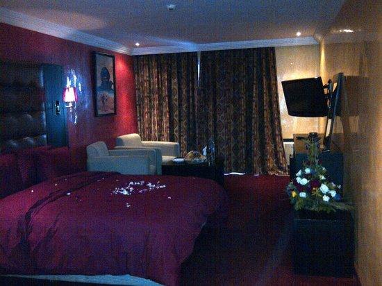 Hotel Adrar: Suite vue piscine