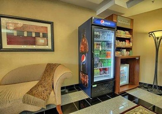 Comfort Suites Cincinnati Airport: Marketplace $
