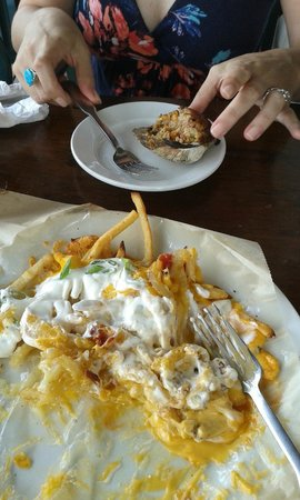 Poor People's Pub: Junk Fries and Stuffie (that's a stuffed Quahog for those of you not in the know).