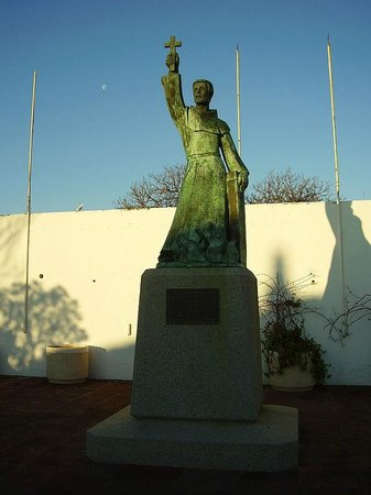 San Vicente de Albufeira Statue