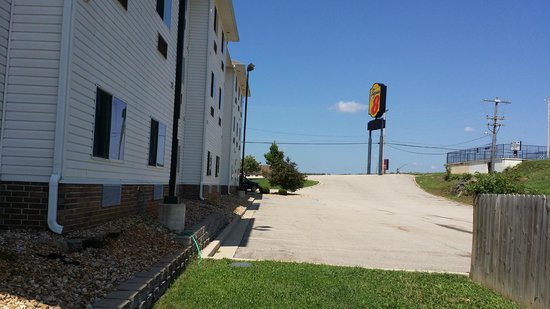 Super 8 Rolla: View from rear BBQ area