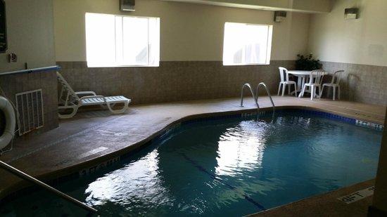 Super 8 Rolla: Pool Area