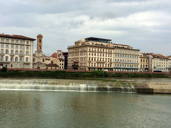 The Westin Excelsior Florence: View at the hotel from the bridge over Arno river