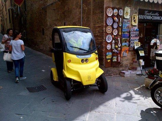 PromoGuideSiena -Tours: la macchina del postino di Siena