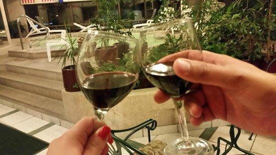 Hotel Regal Pacific: Área da Piscina