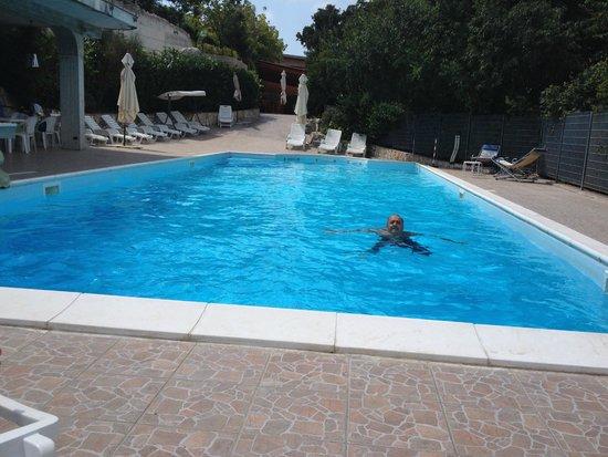 Agriturismo Consoli Crispino : Great Pool