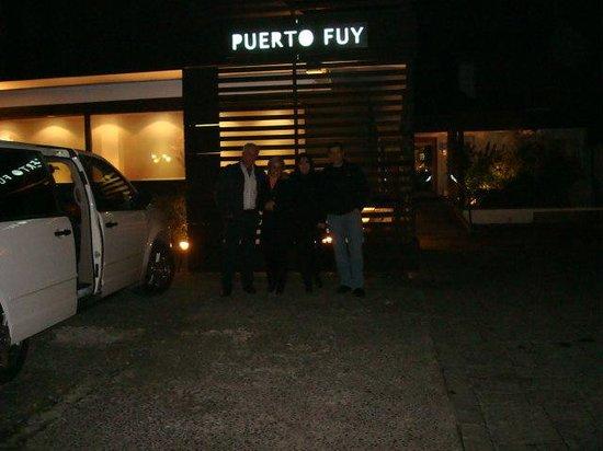 Fuy Santiago: Frente do Restaurante