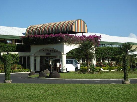Fiji Gateway Hotel : Raffles Main Entrance