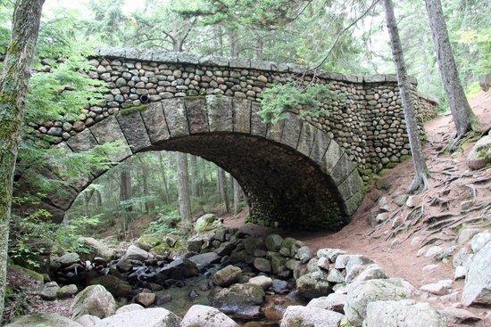 Carriage Roads: the cobblestone bridge