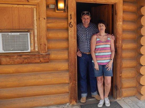 Sportsman's Lodge: Cabane vu de l'extérieur