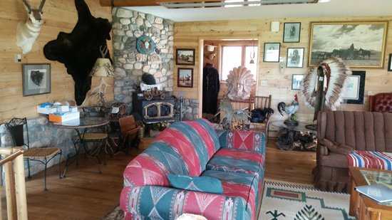 K3 Guest Ranch Bed & Breakfast: Shared Common Area