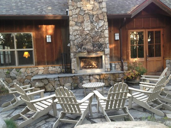 Evergreen Lodge at Yosemite: Outdoor Fireplace