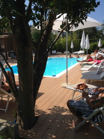 B&B Il Roseto: Excellent pool with jacuzzi
