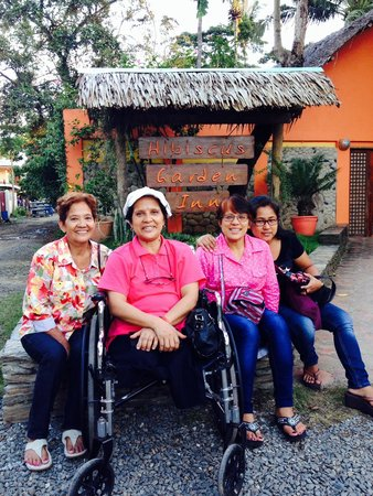 Hibiscus Garden Inn : My siblings and I