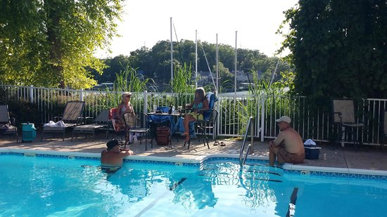 LakeSide Cafe at Ozark Yacht Club: At the pool above cafe