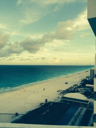 ME Cancun: Room View 916