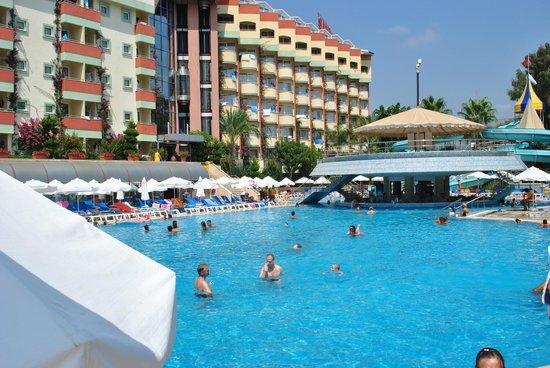 Saphir Resort & Spa: View of the hotel