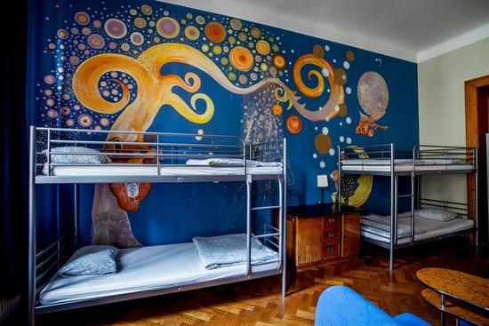 Art Hole: Bedroom