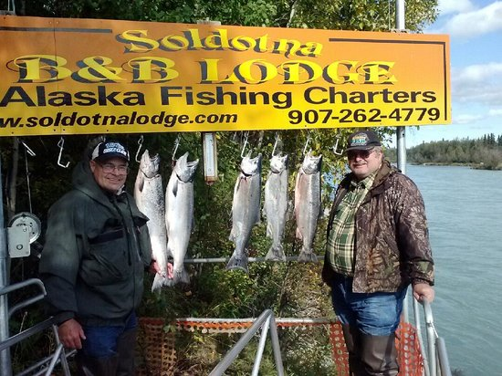 Alaska Fishing Lodge - Soldotna Bed and Breakfast Lodge: Kenai Silvers