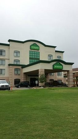 Wingate by Wyndham Oklahoma City Airport : Outdoor view