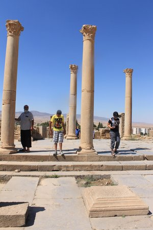 Timgad: une des artères principales