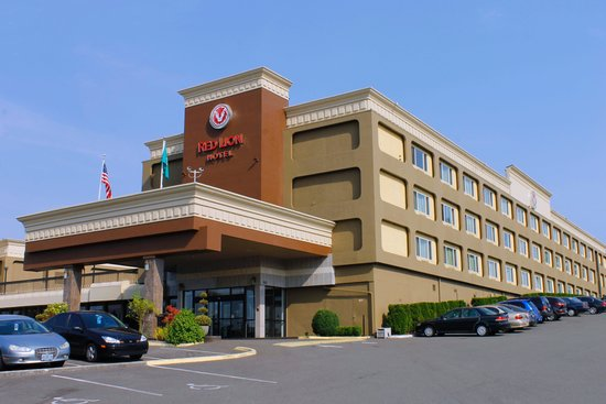 Hotel Exterior - Picture of Red Lion Hotel Tacoma, Tacoma ...