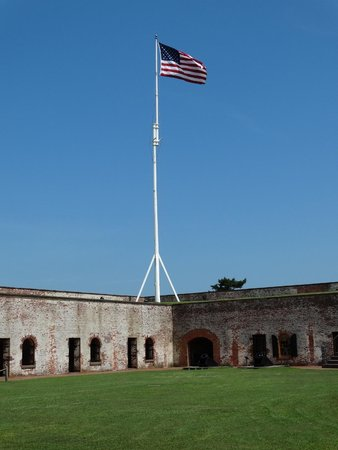 Fort Macon : The grounds