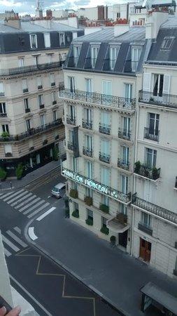 Hotel Pavillon Monceau : Front of Hotel