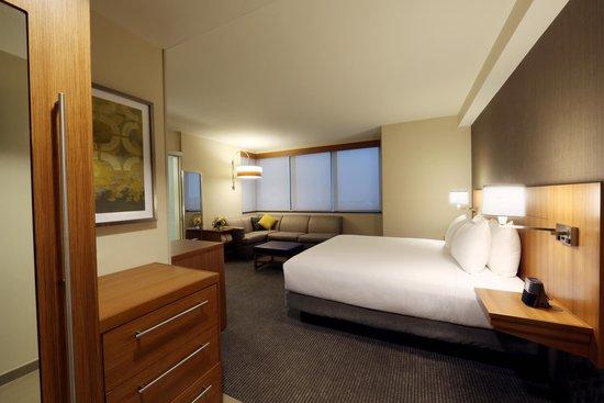 Hyatt Place Flushing/LaGuardia Airport: Guest Room