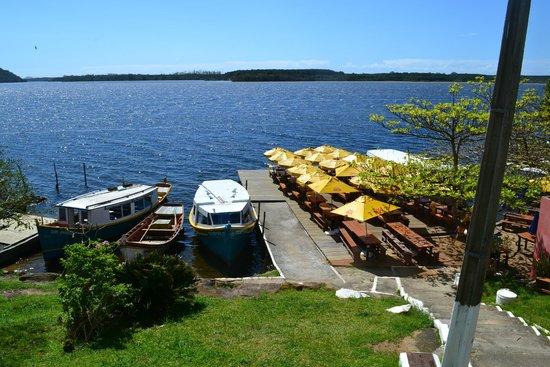 Costa da Lagoa: Barco e restaurante