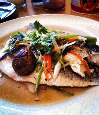 Marlborough Pub and Theatre: Food by Charm Thai