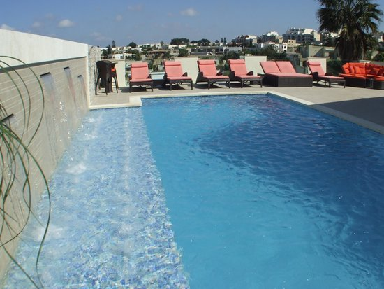 Ringway Villa: New Pool and New Sun Loungers